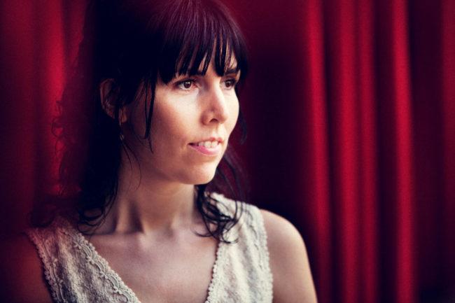 portræt kunstner sangerinde laila trier aarhus