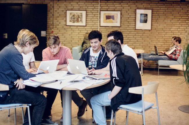 Gruppearbejde på gymnasie