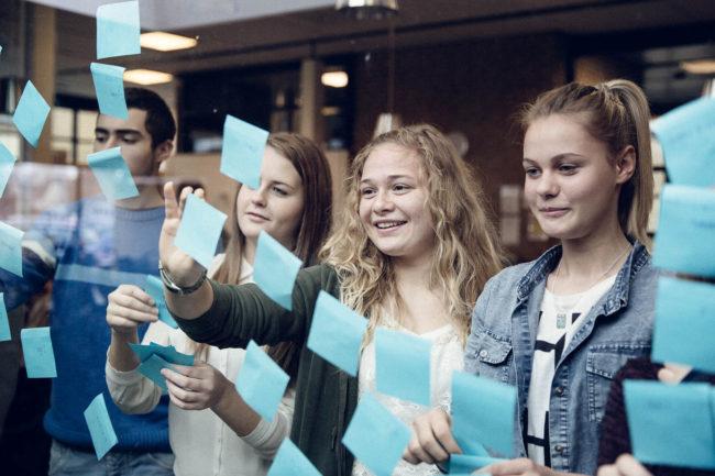 Fotografering af skoleliv på gymnasie