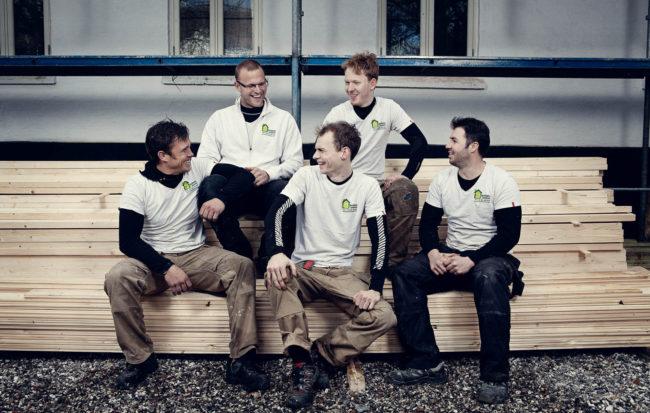 Gruppebillede af medarbejdere, Smilets Tømrer